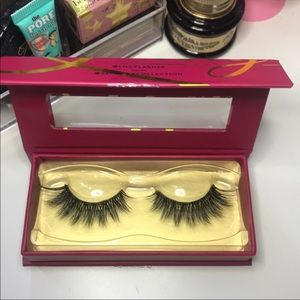LILLY LASHES NEW